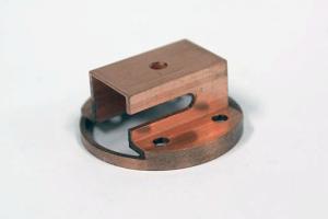 旋盤とマシニングによる加工